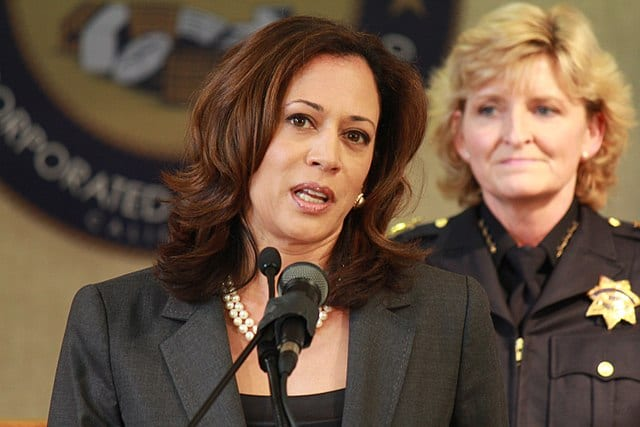 Kamala Harris Fundraises for Stacey Abrams…While Taking Half of Donations for Herself